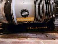 Hydrovane 15 compressor with 100L tank 240v 2.2kW