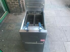 GAS FRYER CATERING COMMERCIAL KITCHEN EQUIPMENT CAFE KEBAB CHICKEN RESTAURANT TAKE AWAY SHOP BAR