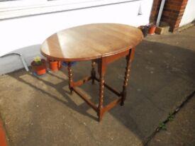 Vintage Oak Side Table Oval Top Drop Leaf With Gate Legs Barley Twist Design