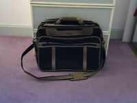 Small ANTLER holdall in black and tan with shoulder strap