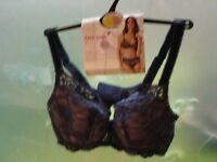 Per una Bra-------Brand New with Tags!