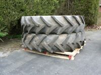 13.6 x 38 tractor wheels and radial tyres