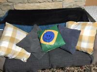 Cushions / sofa pillows