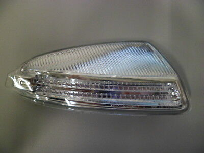 Genuine Mercedes-Benz - C Class W204 RH Mirror Indicator Lamp A2048200821 NEW