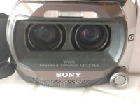 PROVIDE PHONE NUMBER - 3D Sony Camcorder - Mint like new WITH FREE SOFTWARE wort £ 000's !!!