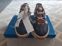 adidas niteball trainers size 7
