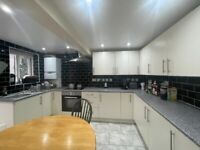 Double Room To Let (Basement) | Off New Road, Whitechapel