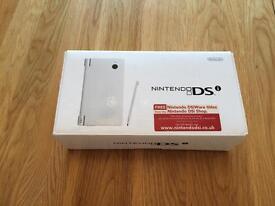 White Nintendo DSi for sale