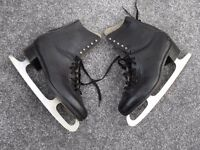 MENS BLACK LEATHER ICE SKATES, SIZE 8