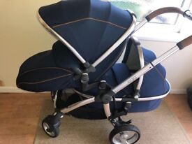 Egg Tandem Pram/Carry Cot & Changing Bag - Regal Navy with Silver Chassis