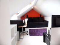 Attic Double room with sink, mini kitchen, share bathroom - No Admin Fees