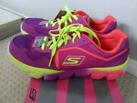 Brand new in box skechers go run trainers size 6