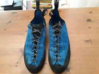 ClimbX boudlering shoes, size 11, worn once.