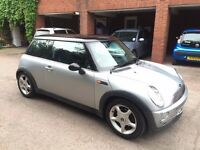 Lovely Mini Cooper 1.6 Leather Interior and in Perfect driving conditions