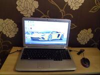 Laptop Samsung R530, Windows 10, HDD 160GB, 2GB RAM plus UBS mouse.