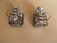 Set of 8 owl napkin rings in baskets silver plated