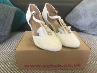 Stunning ladies shoes size 5