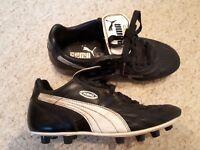 Puma kings size 4 football boots