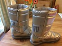 Fit Flop silver boot