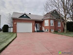239 500$ - Maison à un étage et demi à vendre