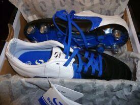 BNWT Sondico studed football boots size 5