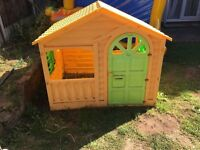 CHILDRENS OUTDOOR GARDEN PLAY HOUSE