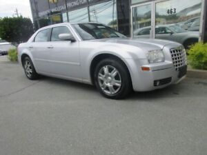 2005 Chrysler 300 3.5L W/ AC KEYLESS ENTRY TILT STEERING