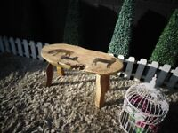 BEAUTIFUL SOLID WOOD ENGRAVING COFFEE TABLE VERY SOLID TABLE AND IT'S IN VERY GOOD CONDITION