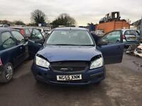 BREAKING FORD FOCUS CAR PARTS SPARES