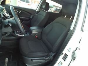 2014 Hyundai Tucson GL   ONLY 42K!   NO ACCIDENTS   ALL WHEEL DR Stratford Kitchener Area image 6