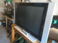 Phillips 42 inch TV with remote control and stand turns on sometimes spare or repair vgc