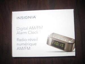 Light up alarm clock buy sell items tickets or tech in ontario insignia digital alarm clock watch with am fm radio snooze ac power gumiabroncs Choice Image