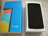 LG Nexus 5 - Black - Unlocked - Boxed + Wireless charger