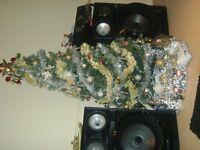 samsumg boombox speakers 3ft tall built in discolights, 2560 watt output, bluetooth