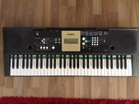 Yamaha YPT-220 Portable Electric Keyboard