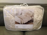 ** Brand New ** King Size 5 Piece Bed Set