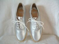 PAIR OF LADIES SILVER FLAT SHOES - FAITH