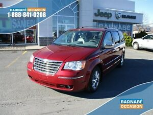 2010 Chrysler Town & Country Limited..tv..dvd..sieges chauffant.