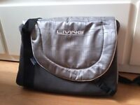 ::::::: Chicco Baby changing bag :::::::