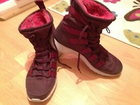 Nike boots £35 size 7