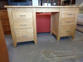 Solid hardwood 2 pedestal Office or Home Desk. Great Condition