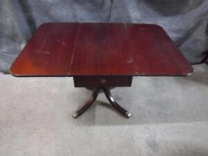 Wood Table - 1 drawer - 2 folding leaf - pedestal base
