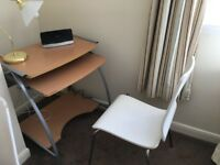 Lovely computer desk with lamp for sale