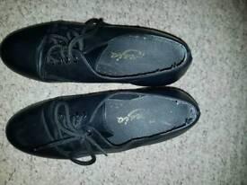 Capezio tap shoes size 4