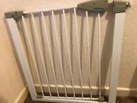 Stairgate (child/dog) with fittings