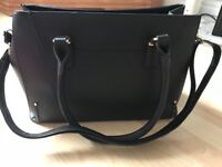 Ladies Accesorize Hand Bag - Great Condition