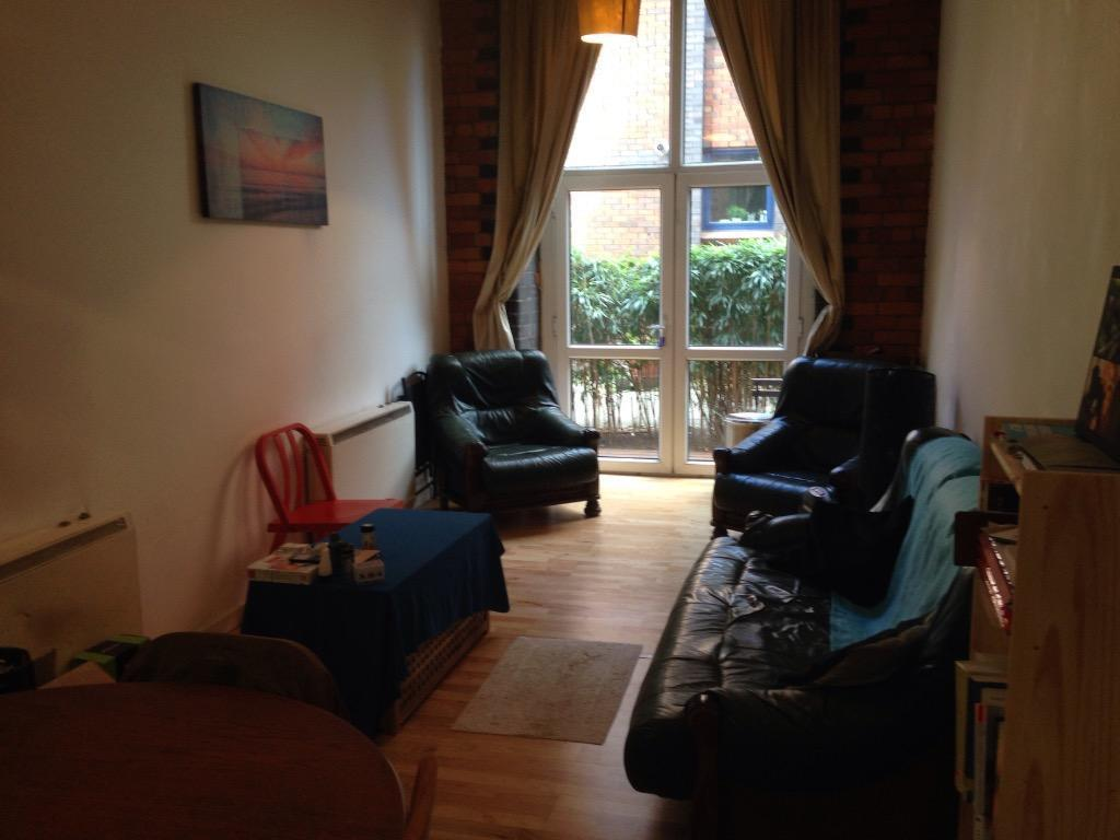 Spacious 1 bedroom apartment in city centre in oxford road manchester gumtree for Spacious one bedroom apartment