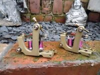 PAIR OF PRO HAND BUILT SOLID BRASS FRAME TATTOO MACHINES PINK HAND WOUND COILS