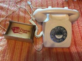 RETRO STYLE PUSH BUTTON PHONE WITH SAVINGS BOX