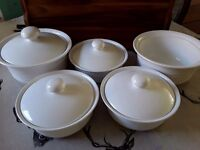Set of 5 white dishes/bowls